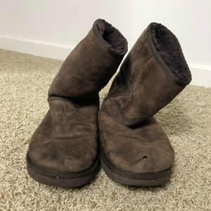 Short UGG boots in brown